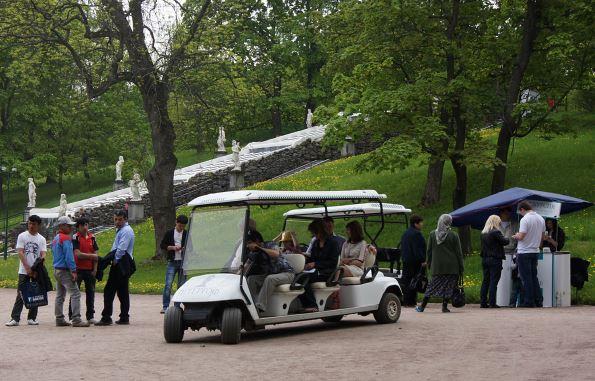 Экскурсия на электрокаре по Нижнему парку Петергофа